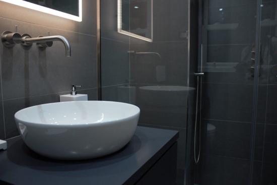 wall hung vanity unit basin